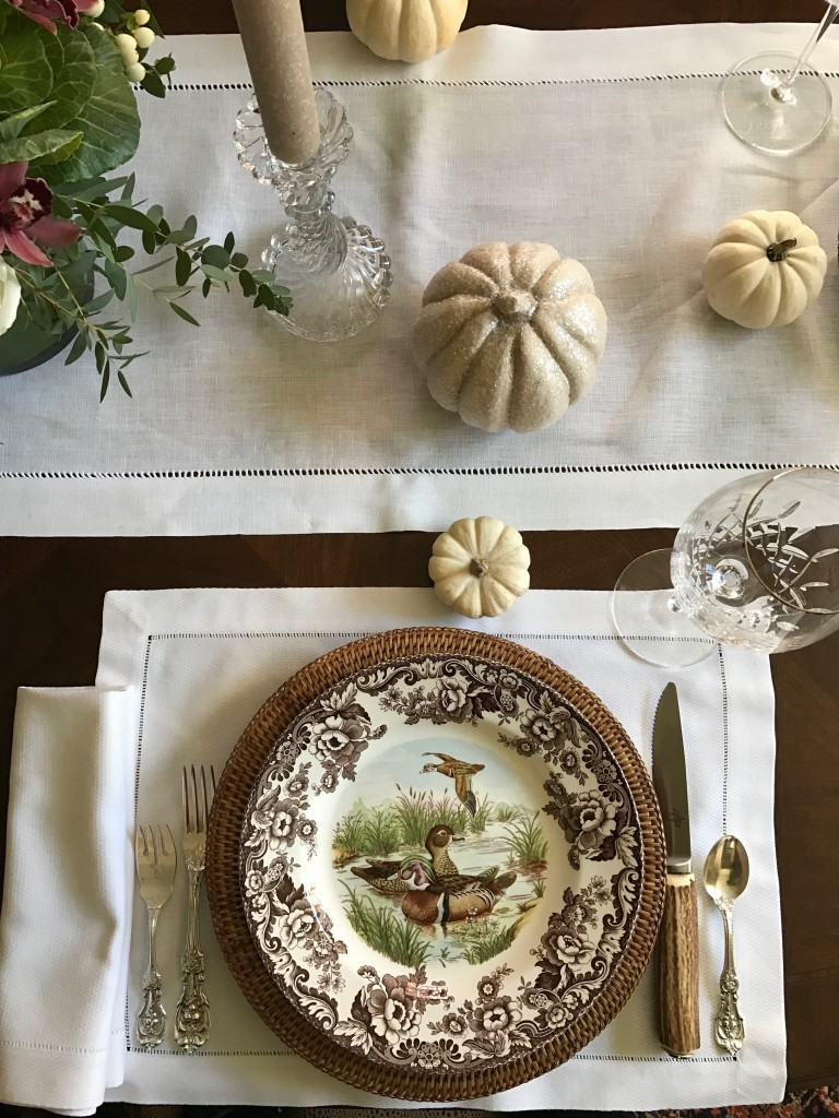 Pretty tablescape for fall
