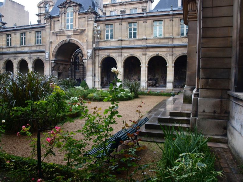 Musee-de-Carnavalet-Garden-by-Hello-Lovely-Studio