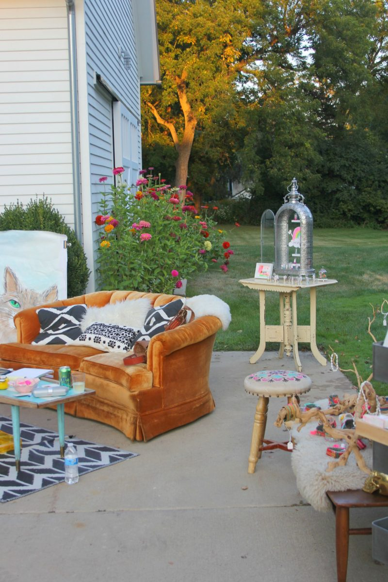 boho-chic-outdoor-art-show-by-Hello-Lovely-Studio