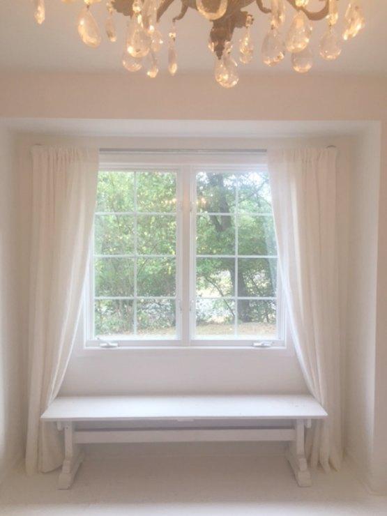 White serene studio - Hello Lovely Studio