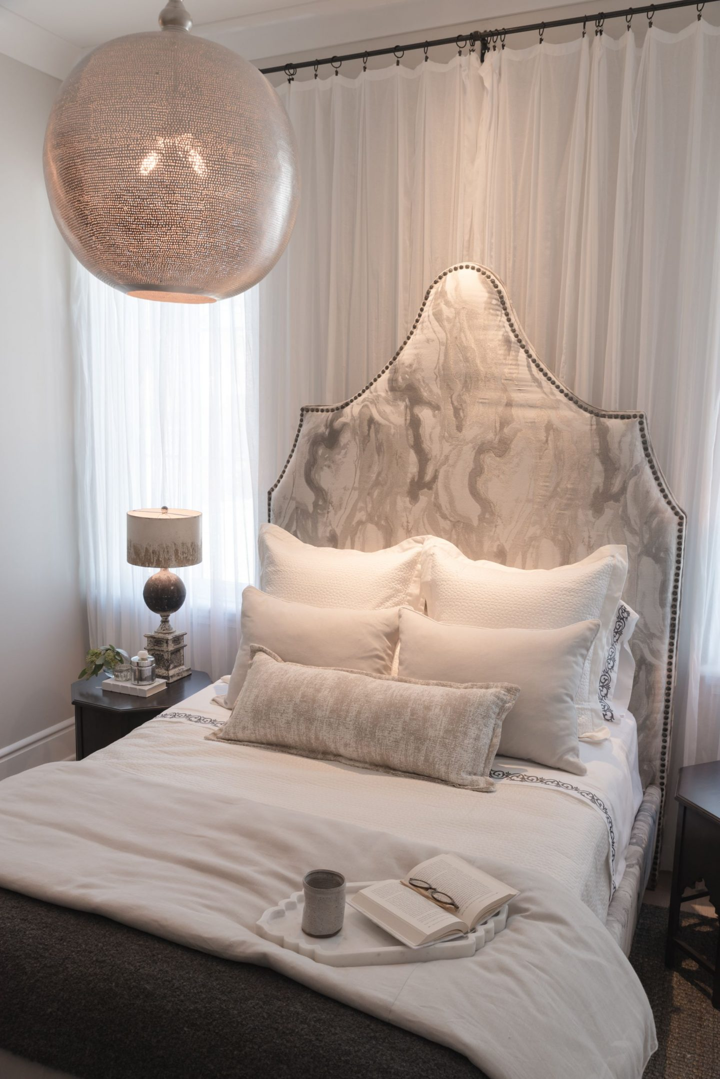 Modern luxe bedroom by Chelsea Skye Mills for O'More Show House. 11 Interior Design Ideas: Nashville Show House.
