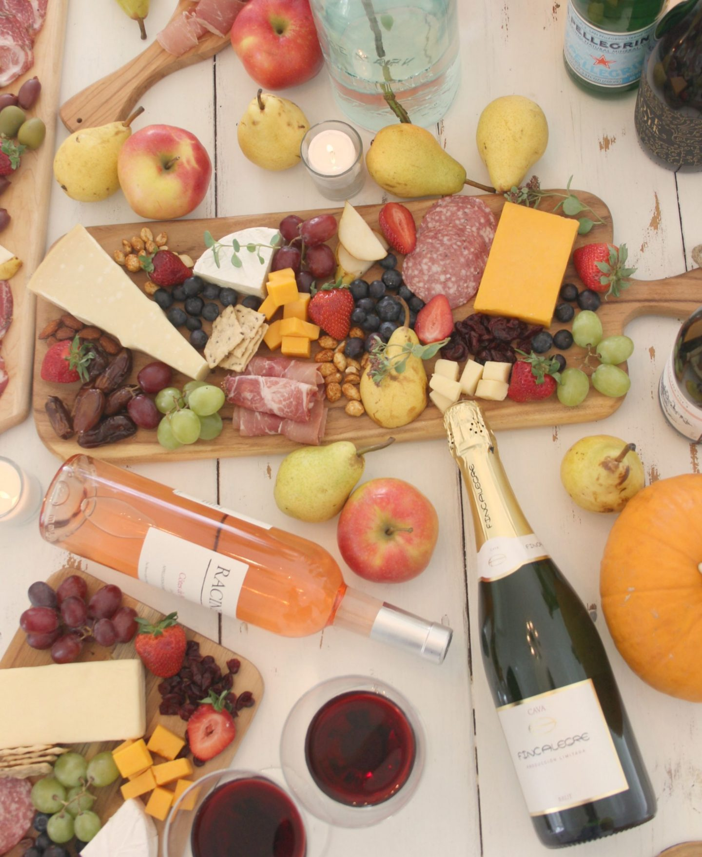 Vibrant and colorful, these cheeseboards with charcuterie and farmers market freshness are perfect for simple entertaining and an elegant tablescape. FALL In Love With Autumn: Pre-PEAR Yourself for Yummy Pear Inspiration Ahead!#grazeboard #cheeseboard