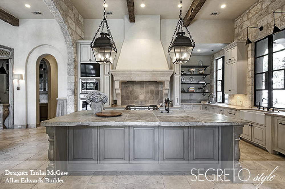 Elegant Old World kitchen with Segreto Finishes (beautiful wall colors and plaster) in a lovely designed room in Leslie Sinclair's book. #plasterwalls #segretofinishes #frenchcountry