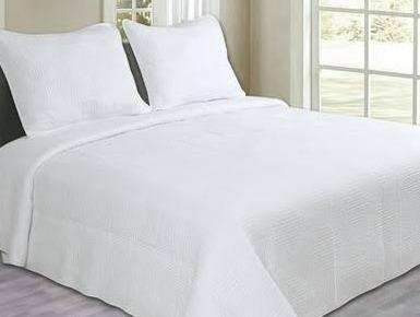 White Maze Quilt Set