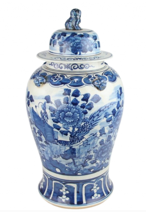 Blue and white porcelain floral ginger jar with foo dog lid - The Enchanted Home. #gingerjars #foodog #blueandwhite #homedecor