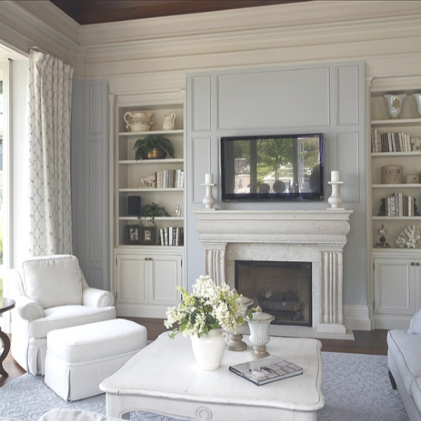 Edgecomb Gray paint color by Benjamin Moore for trim in a lovely family room by Barnard & Speziale. #edgecombgray #benjaminmoore #paintcolors
