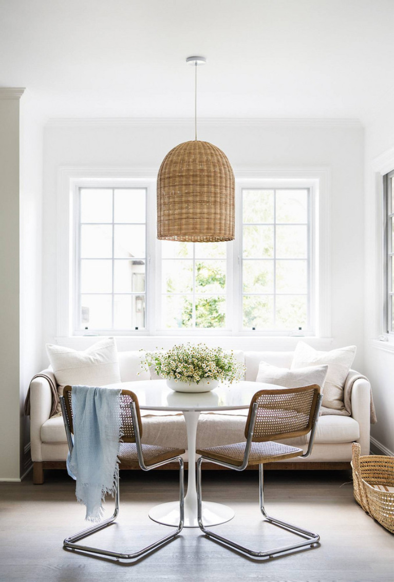 Charming modern rustic organiz luxe breakfast nook with Mid-century Saarinen table and Marcel Breuer chairs. California farmhouse style in Erin Fetherston's home. #breakfastnook #modernfarmhouse #midcenturymodern #interiordesign #breuerchairs #saarinentable #modernrustic