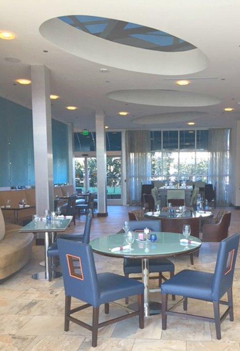 Bold and bright blue decor in Brazos bar & bistro in #hotelindigo in #Waco #Brazos