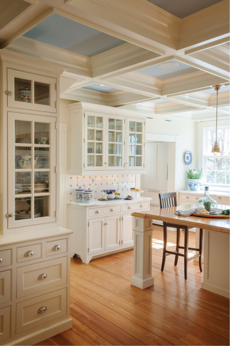 Blue ceiling in white country kitchen. Come see 36 Best Beautiful Blue and White Kitchens to Love! #blueandwhite #bluekitchen #kitchendesign #kitchendecor #decorinspiration #beautifulkitchen