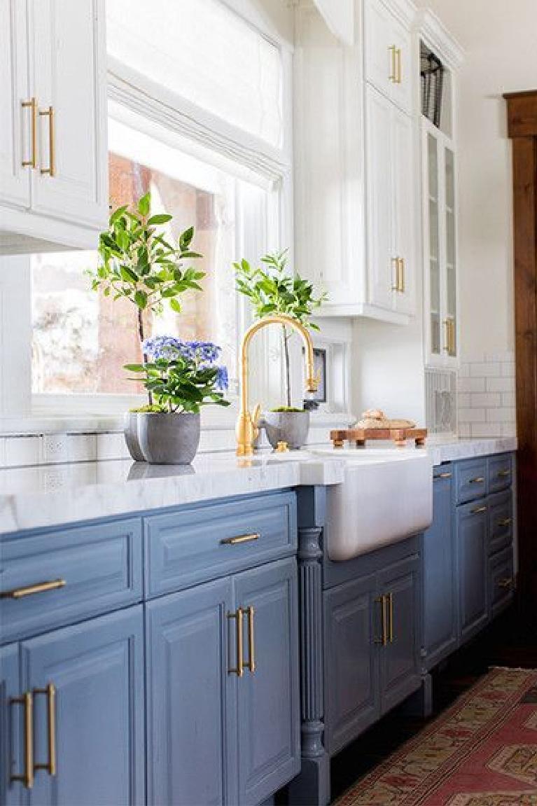 Beautiful blue kitchen with gold accents #bluekitchens #bluedecor #kitchendesign #kitchendecor #kitchenremodel #blueandwhitekitchen