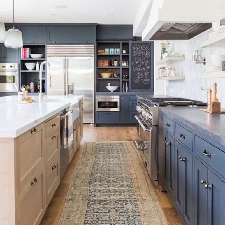 Two tone cabinets in blue and cream in a classic kitchen. Come see 36 Best Beautiful Blue and White Kitchens to Love! #blueandwhite #bluekitchen #kitchendesign #kitchendecor #decorinspiration #beautifulkitchen
