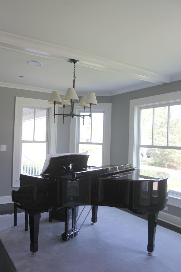 Grand piano in modern farmhouse living room. #grandpiano #hellolovelystudio #benjaminmoorestoningtongray