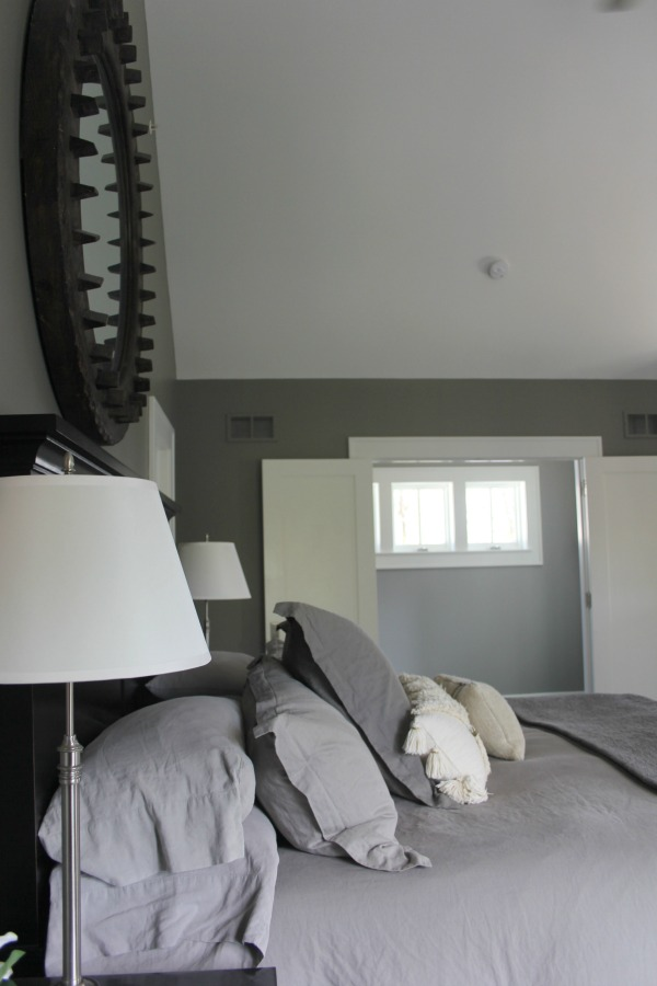 Modern Industrial Farmhouse Bedroom Design {2nd Floor Tour}. #modernfarmhouse #bedroom #industrialfarmhouse #greywalls #luxuriousfarmhouse #benjaminmooreplatinum #benjaminmoorestoningtongray