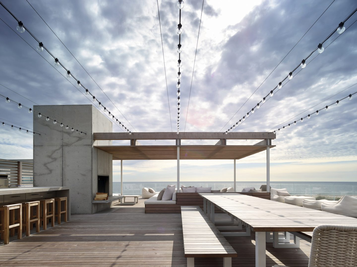 Modern architecture -lounge deck overlooking ocean. #modern #architecture #waterfront #oceanfront