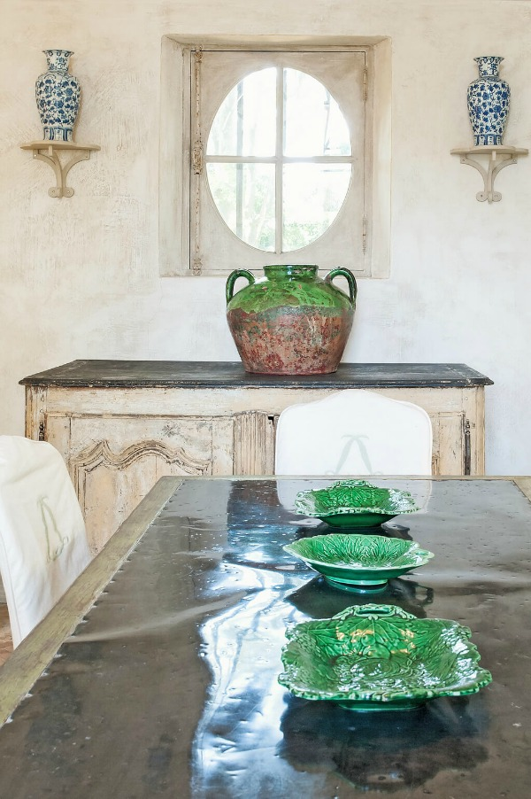 Authentic French country dining room in Provence. Lovely Timeless French Château Interiors & Garden. French farmhouse and French country design inspiration from Château Mireille. Photo: Haven In. South of France 18th century Provence Villa luxury vacation rental near St-Rémy-de-Provence.