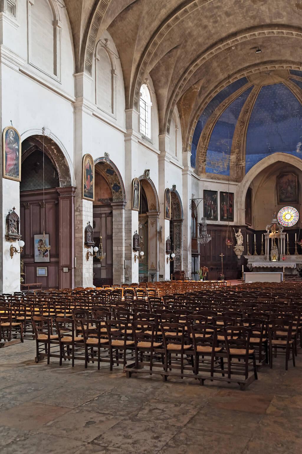 Cathedral interior - Avignon, France. Photo: Haven In.