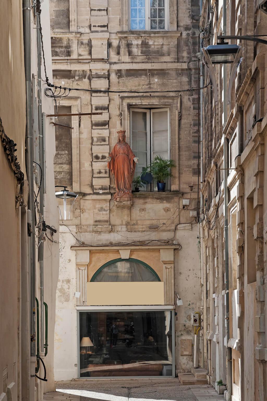 Medieval city center - Avignon, France. Photo: Haven In.