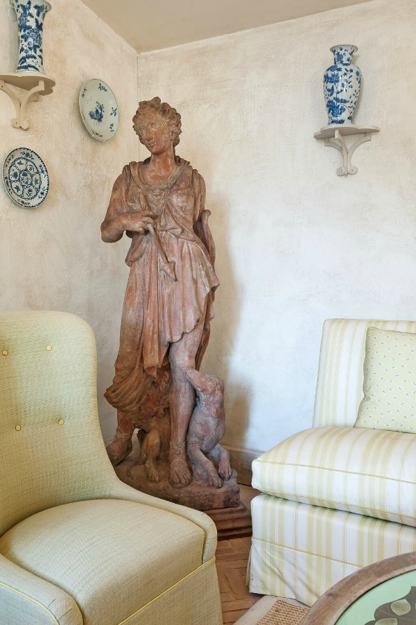 French statue. Rustic and elegant: Provençal home, European farmhouse, French farmhouse, and French country design inspiration from Chateau Mireille. Photo: Haven In. South of France 18th century Provence Villa luxury vacation rental near St-Rémy-de-Provence.