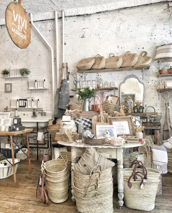 French market baskets and beautiful French finds for kitchen, bath, linens, and more. Vivi et Margo. Pop up shop at Marche Maman NYC. #vivietmargot