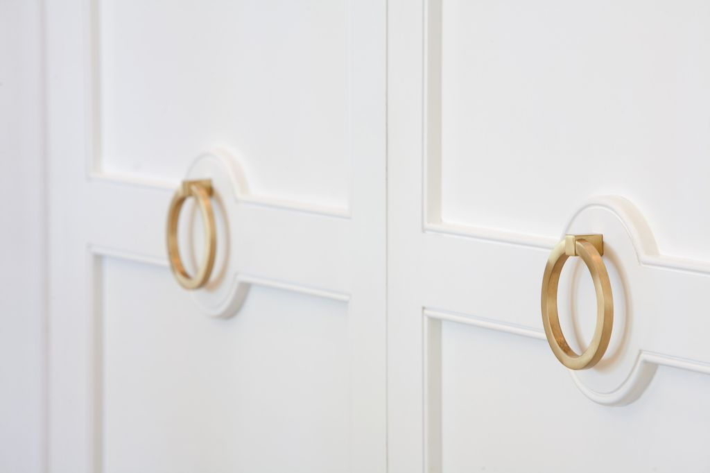 Brass ring door hardware. Modern Chic Home in the Southwest. E&A Builders. Pinnacle Conceptions. Jaimee Rose Interiors. #modern #French #housedesign #luxuryhome