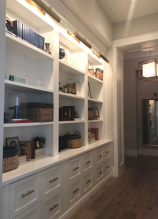 White built-ins and drawers. Modern Chic Home in the Southwest. E&A Builders. Pinnacle Conceptions. Jaimee Rose Interiors. #modern #French #housedesign #luxuryhome