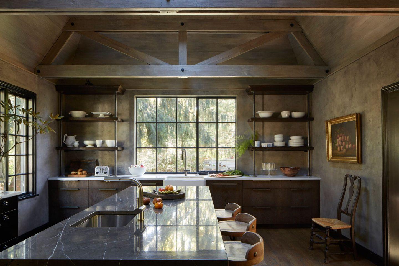 Luxurious kitchen. Classic and timeless interior design by Patrick Sutton. #patricksutton #interiordesign #luxury #timelessdesign