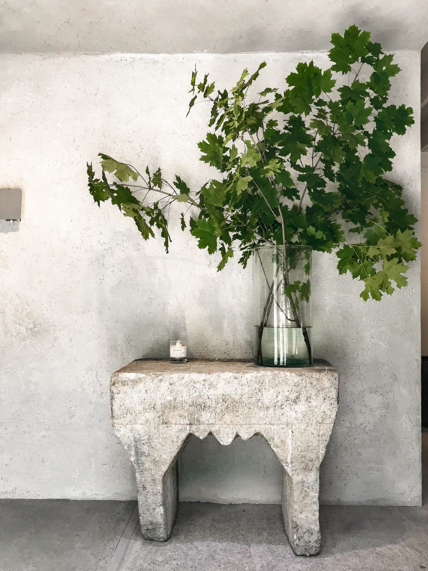 Soulful organic style, serene rustic decor, and rough luxe interior design inspiration from Michael del Piero on Hello Lovely. #roughluxe #interiordesign #soulful #luxurydesign #rusticluxurys
