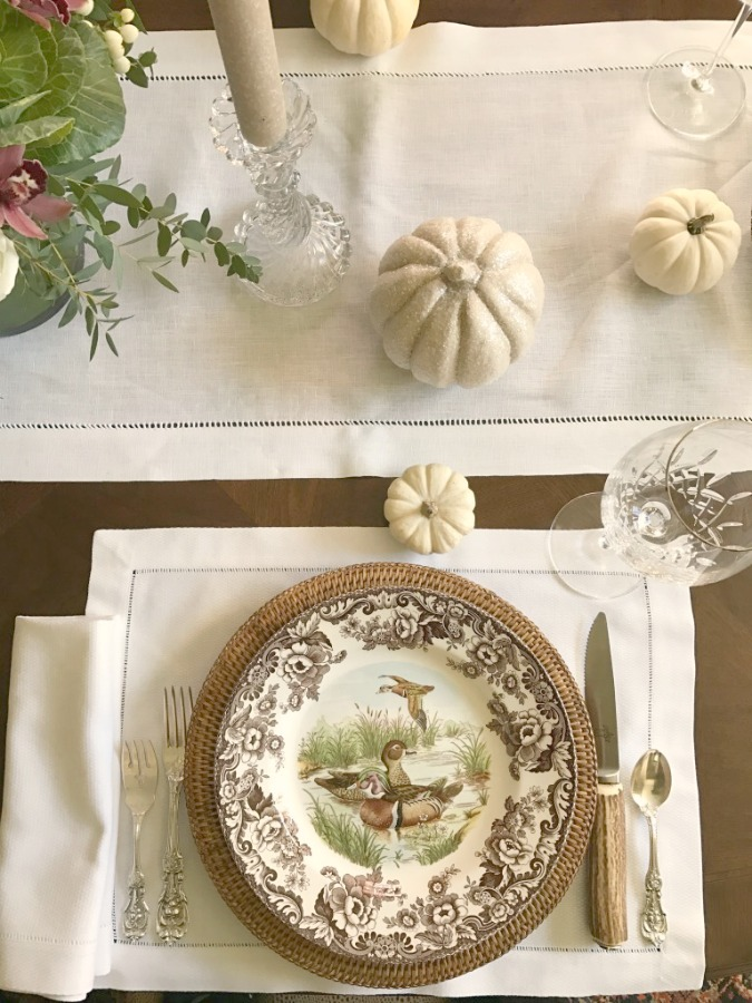 Fall Tablescape with brown vintage plates and baby boo white pumpkins. Elizabeth of Pretty Pink Tulips. #fall #placesetting #tablescape #whitepumpkins