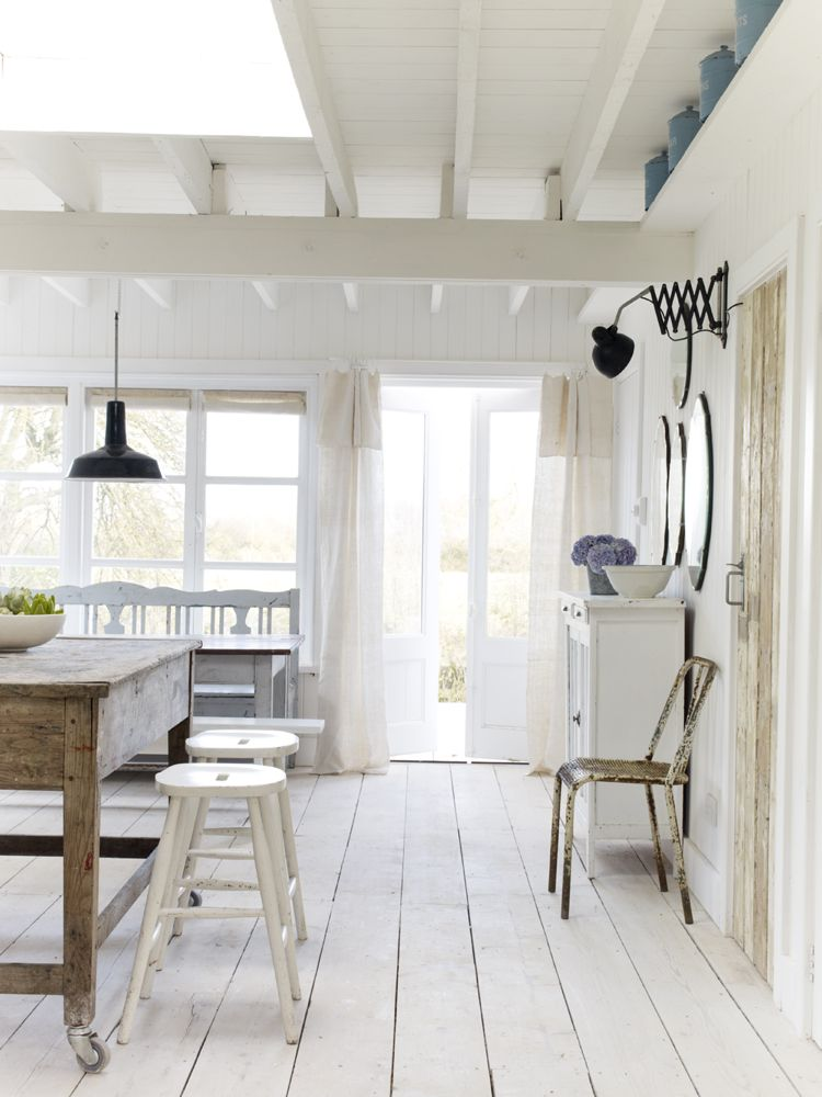 Rustic White Country Cottage Interior Design Inspiration from a beautiful coastal home in East Sussex by The Beach Studios. Design by Atlanta Bartlett & Dave Coote. #cottagestyle #interiordesign #rusticdecor #rusticcottage #whitecottage