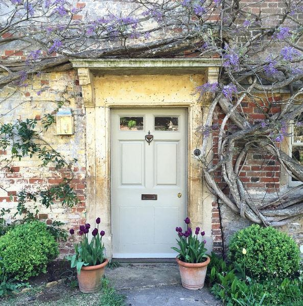 Charming front door to an old English country house covered with climbing vines. The Beach Studios & Locations. Atlanta Bartlett & Dave Coote.