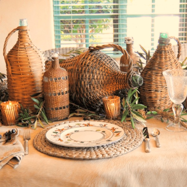 French country vintner baskets used as a centerpiece for a fall themed Thanksgiving rustic table by Cindy Hattersley. #vintnerbasket #frenchcountrydecor #tabledecor #tablescape #Thanksgivingtable #falldecor