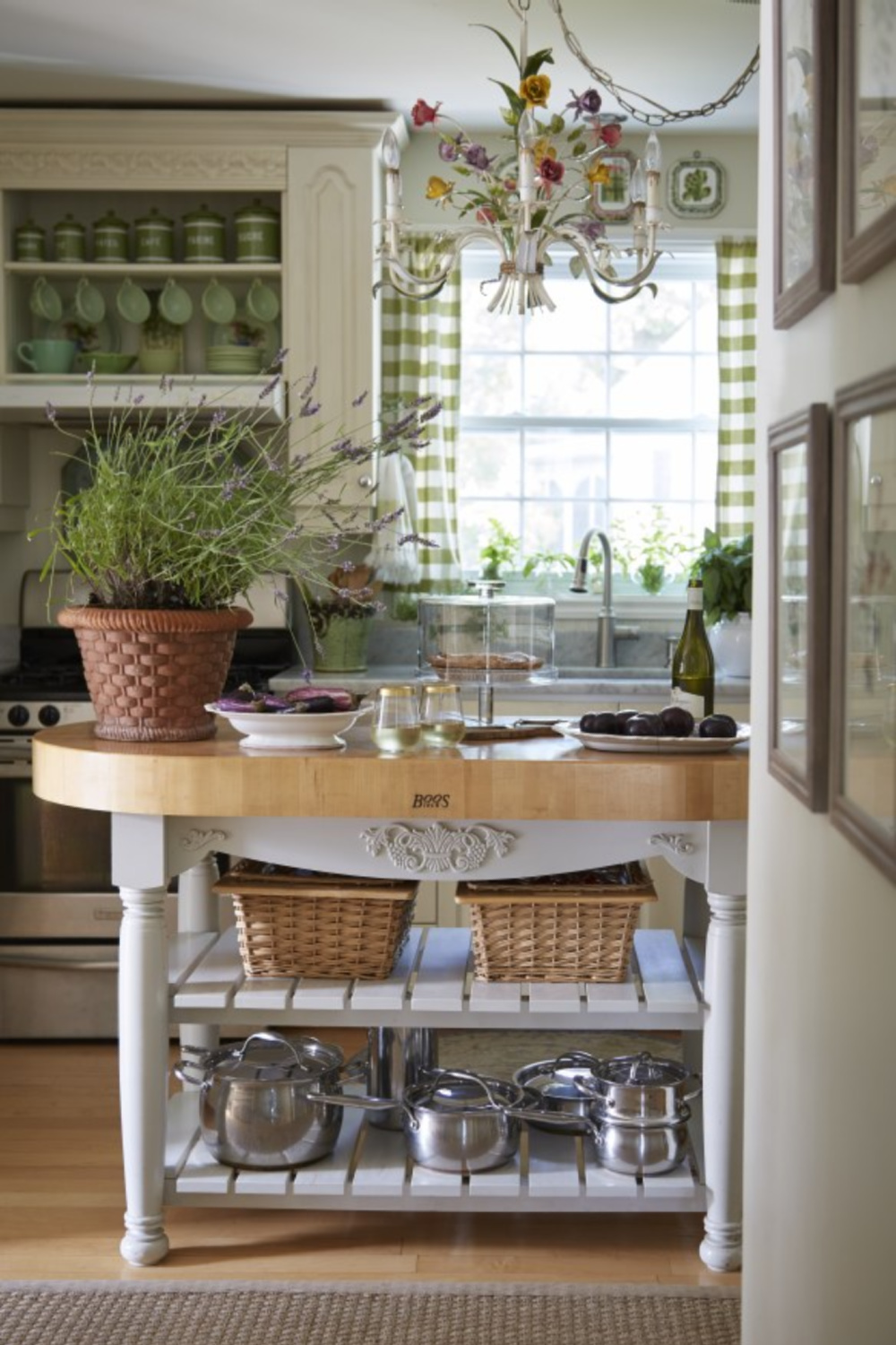 Green kitchen with French country style by Amy Chalmers (MaisonDecor) featured in Nora Murphy's Country House Book! #frenchcountrykitchen #greenkitchen