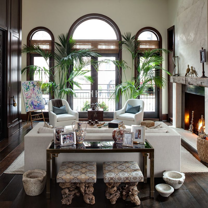 Exotic and elegant living room with arched windows. Beautiful interior design inspiration from Chicago designer Cari Giannoulias on Hello Lovely Studio. #hellolovelystudio #interiordesign #carigiannoulias #chicagodesigner #interiordesigner #sophisticateddecor #understated #luxurydecor