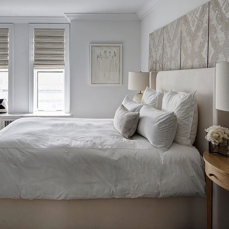 Serene and classic warm white bedroom. Beautiful interior design inspiration from Chicago designer Cari Giannoulias on Hello Lovely Studio. #hellolovelystudio #interiordesign #carigiannoulias #chicagodesigner #interiordesigner #sophisticateddecor #understated #luxurydecor