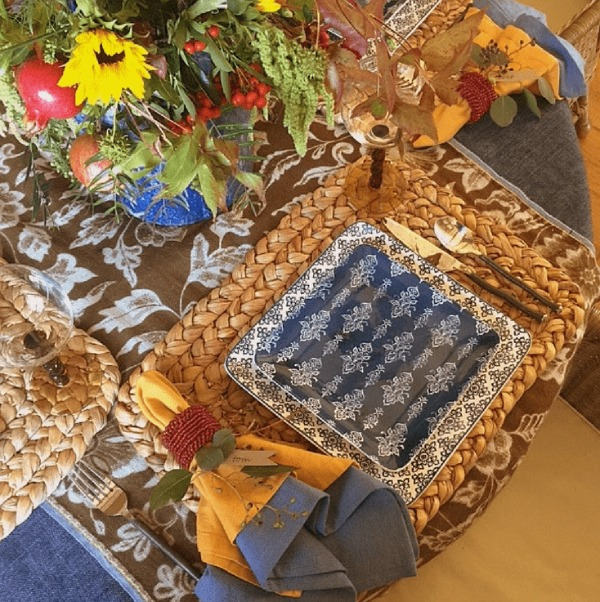 Rustic, simple, and elegant Fall and Thanksgiving table decor and inspiring tablescape ideas from Cindy Hattersley...come tour the lovely autumn wonder! #tablescape #tabledecor #falldecor #Thanksgivingtable #placesetting #decoratingforThanksgiving