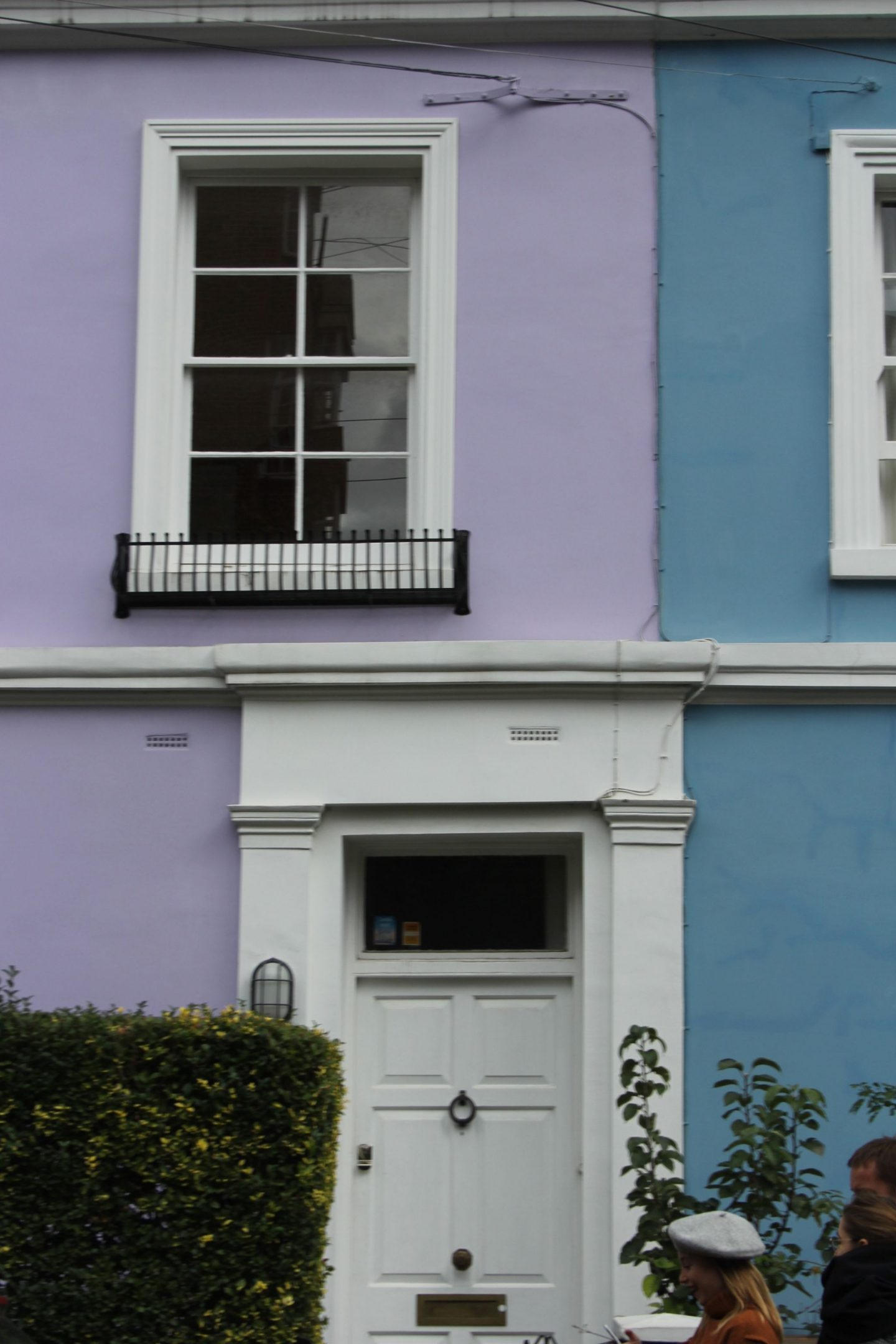 Hello Lovely Studio. Come tour these gorgeous front doors in Notting Hill and Holland Park...certainly lovely indeed. Curb appeal and Paint Color Inspiration. Lovely London Doors & Paint Color Ideas!
