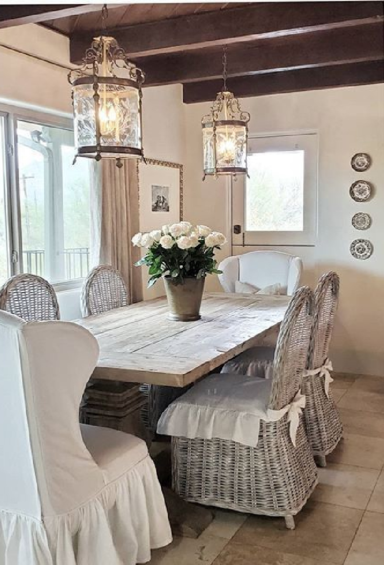 French Nest Interior Design Co. dining room is serene, spare, and timeless. #diningroom #frenchcountry #interiordesign