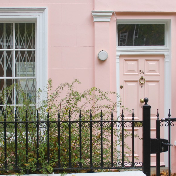 Stunning and elegant pink house facade in Notting Hill. Hello Lovely Studio. Come tour these gorgeous front doors in Notting Hill and Holland Park...certainly lovely indeed. Curb appeal and Paint Color Inspiration. Lovely London Doors & Paint Color Ideas!