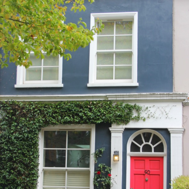 Notting Hill colorful home. Hello Lovely Studio. Come tour these gorgeous front doors in Notting Hill and Holland Park...certainly lovely indeed. Curb appeal and Paint Color Inspiration. Lovely London Doors & Paint Color Ideas!