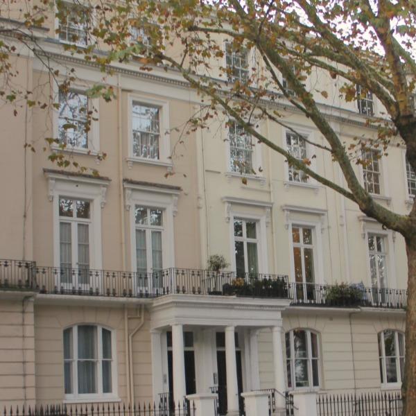 Holland Park Apartment Rental: Design Details