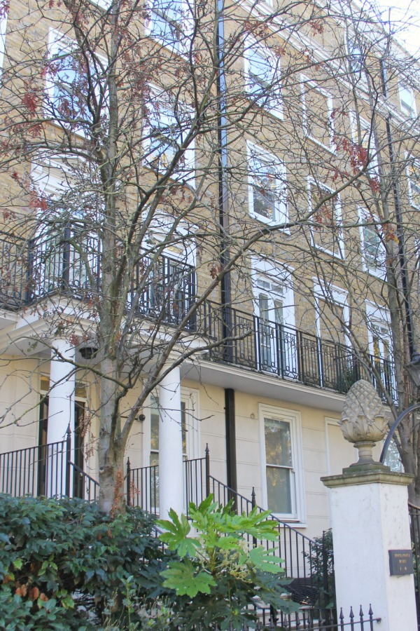 Exterior of Holland Park apartment building. Hello Lovely Studio.