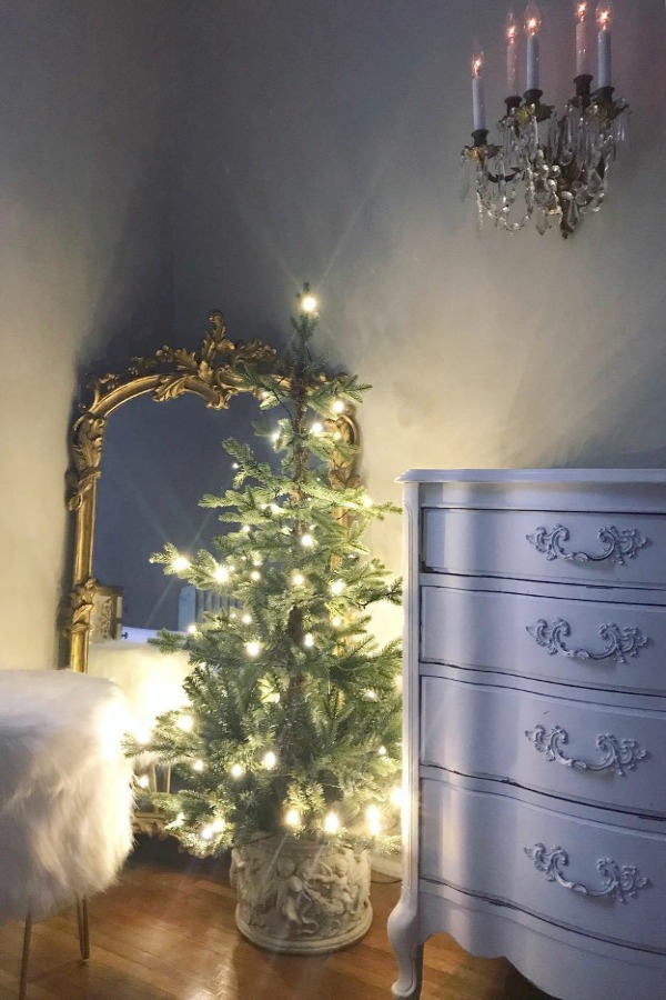 Beautiful Christmas decor inspiration! #christmasdecor #interiordesign #decoratingideas #holiday