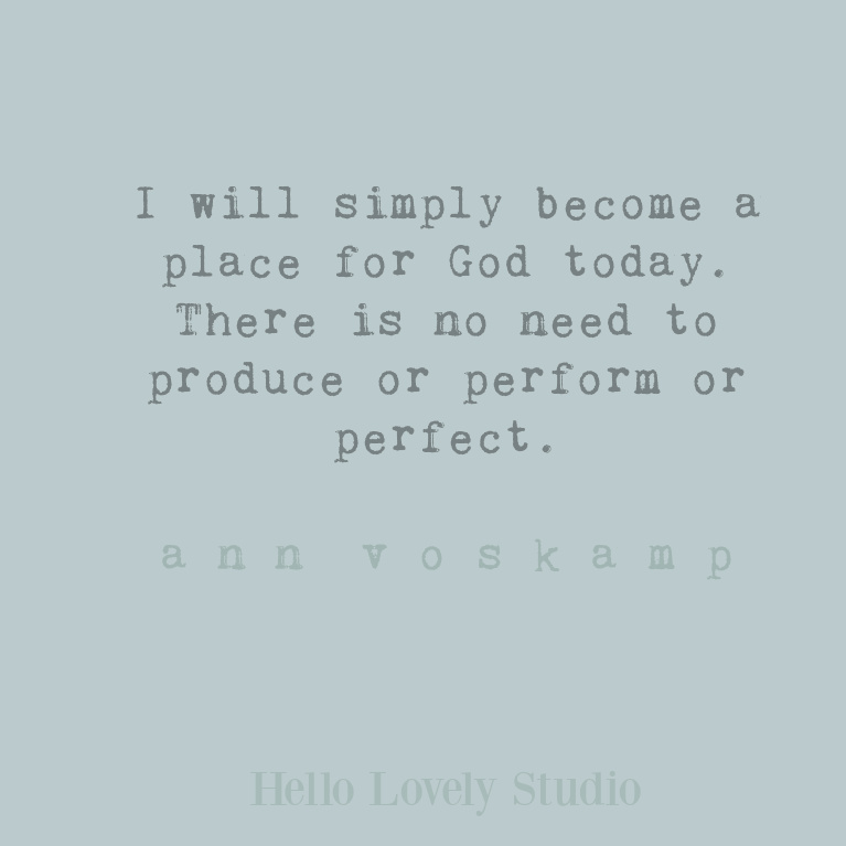 Inspirational Ann Voskamp faith quote relevant for Christmas on Hello Lovely Studio. #annvoskamp #faithquotes #christmasquotes #christianity