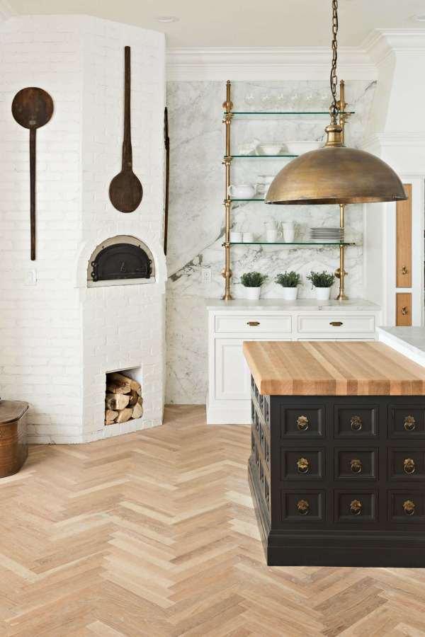 20 Kitchen Design Ideas to Inspire your own kitchen renovation, makeover, DIY, spruce up, or brand new kitchen! Score decorating ideas and style inspiration on Hello Lovely Studio. #kitchendesign #kitchenremodel #kitchenideas