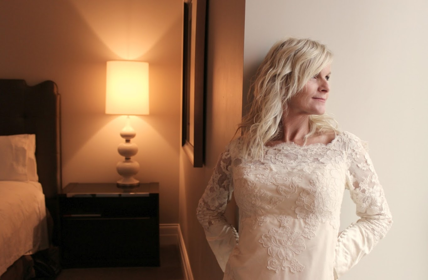 Michele of Hello Lovely Studio in a 1960s lace wedding gown. #hellolovelystudio #1960s #weddinggown