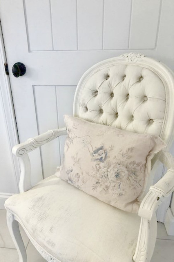 You're in for a treat with this parade of gorgeous and affordable French Country style chairs! I have a variety of Louis style, linen, and vintage French chairs in our home, and here are options for your own home! #frenchcountry #hellolovelystudio #furniture #chairs