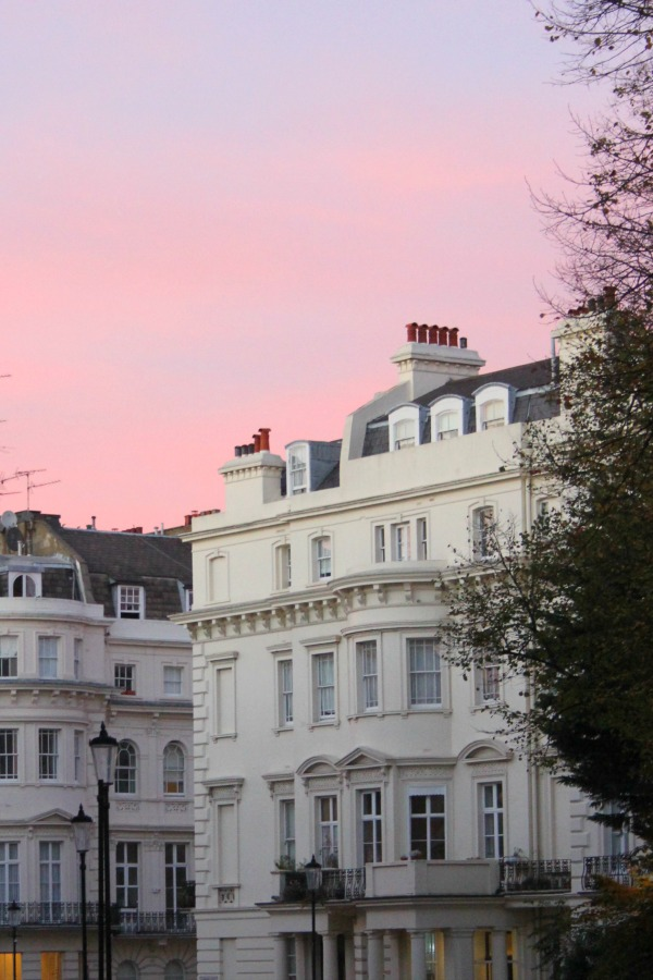Notting Hill at dusk - Hello Lovely Studio.
