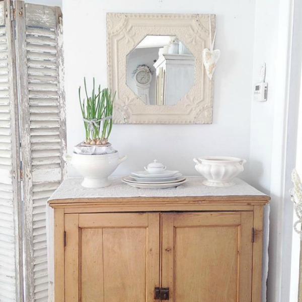 French Nordic style vignette by My Petite Maison. Pale and Lovely European Country White Interiors to Inspire with photo gallery. #frenchfarmhouse #interiordesign #frenchcountry