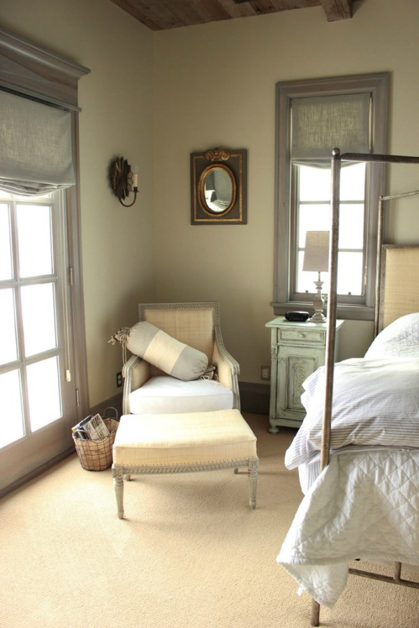 French Gustavian style home of Desiree of Decor de Provence. #frenchcountry #eleganthome