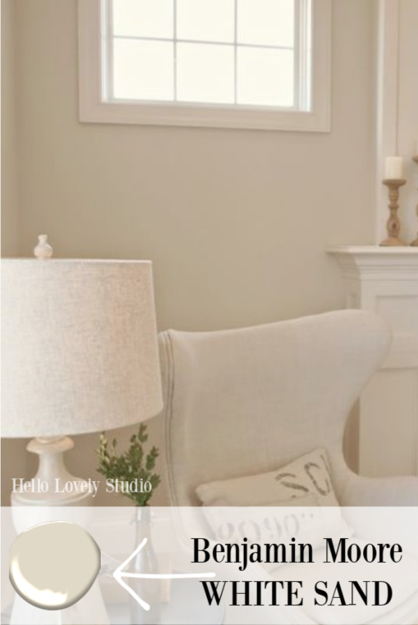 The walls in the living room are painted with Benjamin Moore White Sand - a soft and warm creamy shade with green undertones and a beachy feel. #hellolovelystudio #benjaminmoorewhitesand #paintcolors #warmwhitepaintcolor